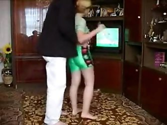 STP4 Daughter Limbers Up To Fuck Daddy !