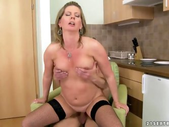 Horny mature blonde honey Laura Long enjoys in...