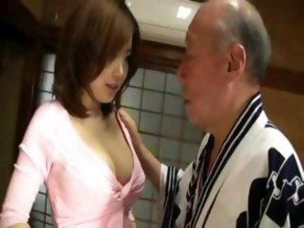 Rio Hamasaki With An Old Dude Giving Him A Bath...