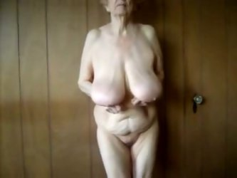 A depraved granny gave me a good private show....