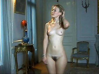 Nude mom takes part in classical pornographic...